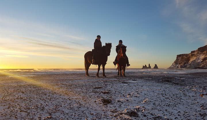黑沙滩骑马旅行团 在马背上领略冰岛南岸风光,自驾集合