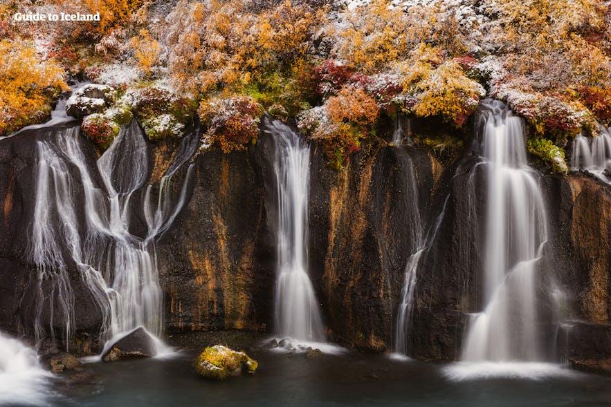 赫伦瀑布(熔岩瀑布-Hraunfossar)位于冰岛西部的Borgarfjordur
