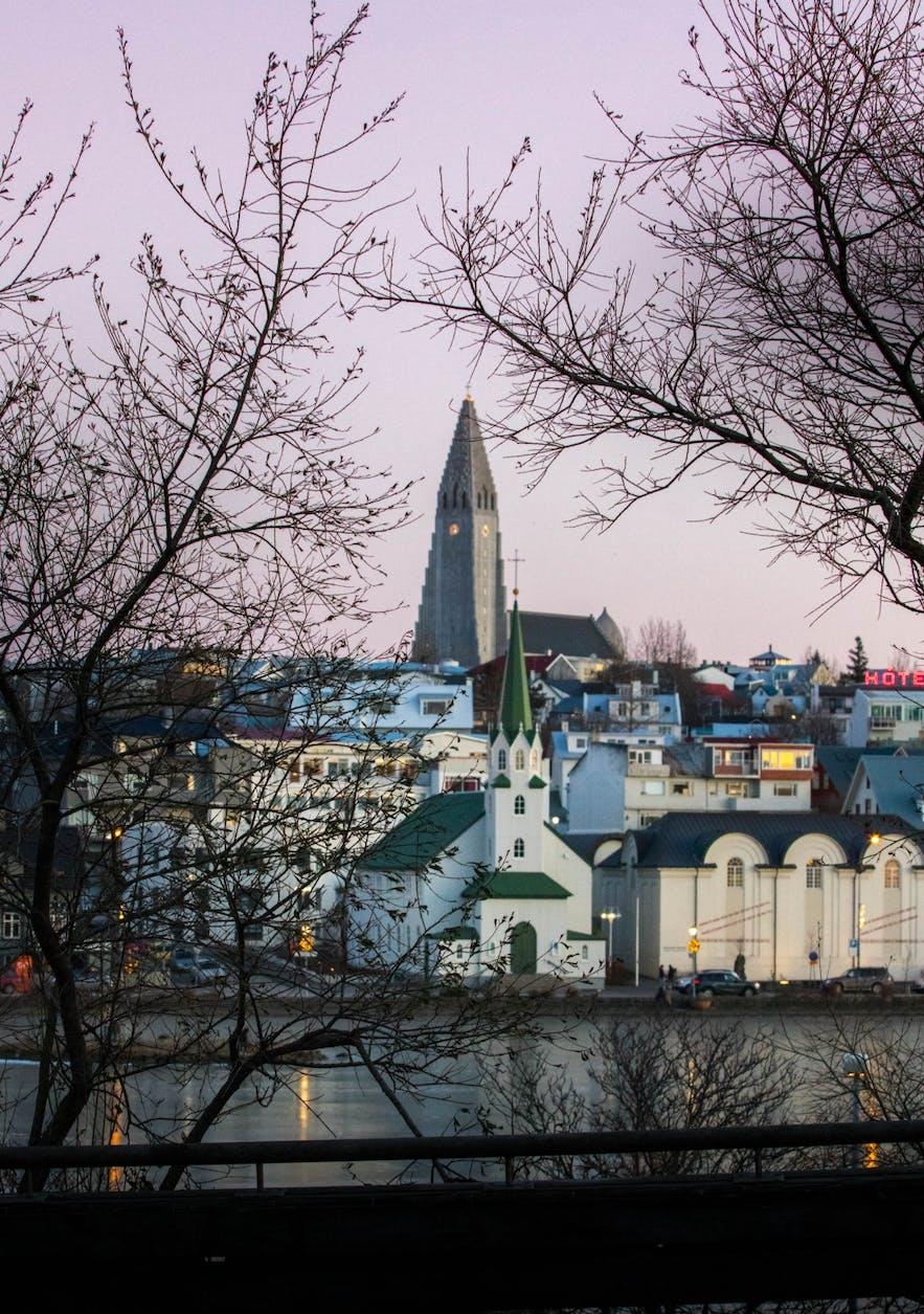 Hallgrímskirkja church standing tall in the cold winter light.