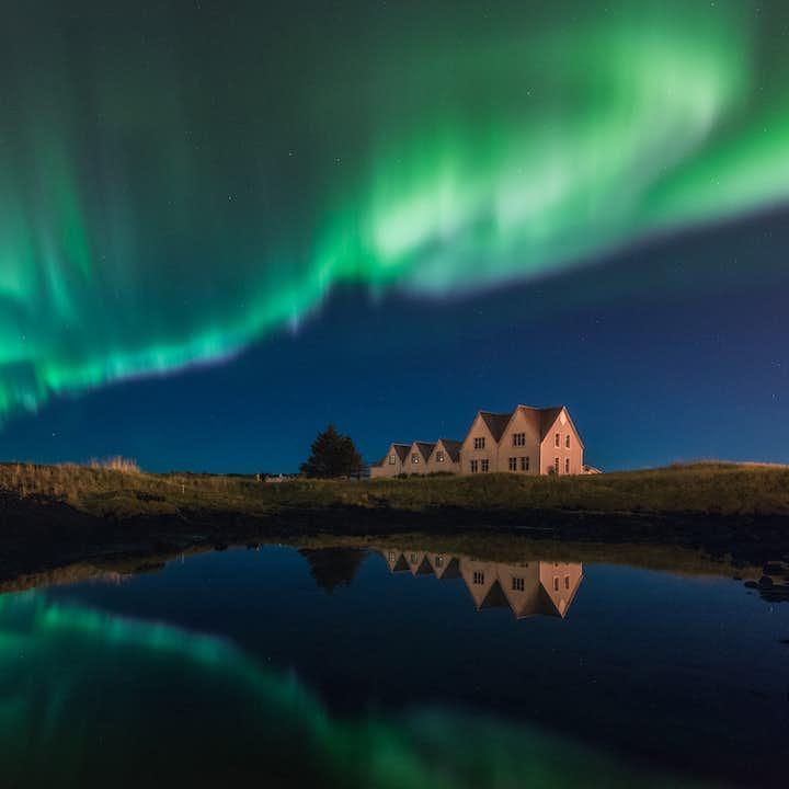 4-godzinne polowanie na zorzę polarną i wycieczka Super Jeepem z przewodnikiem-fotografem, transfer z Reykjaviku