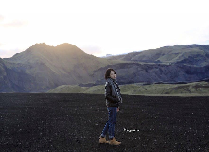 冰島黑冰洞衣著裝束