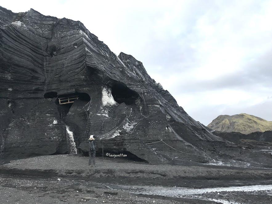 冰島卡特拉火山黑冰洞入口