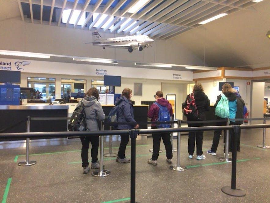 レイキャビク国内空港チェックインカウンター
