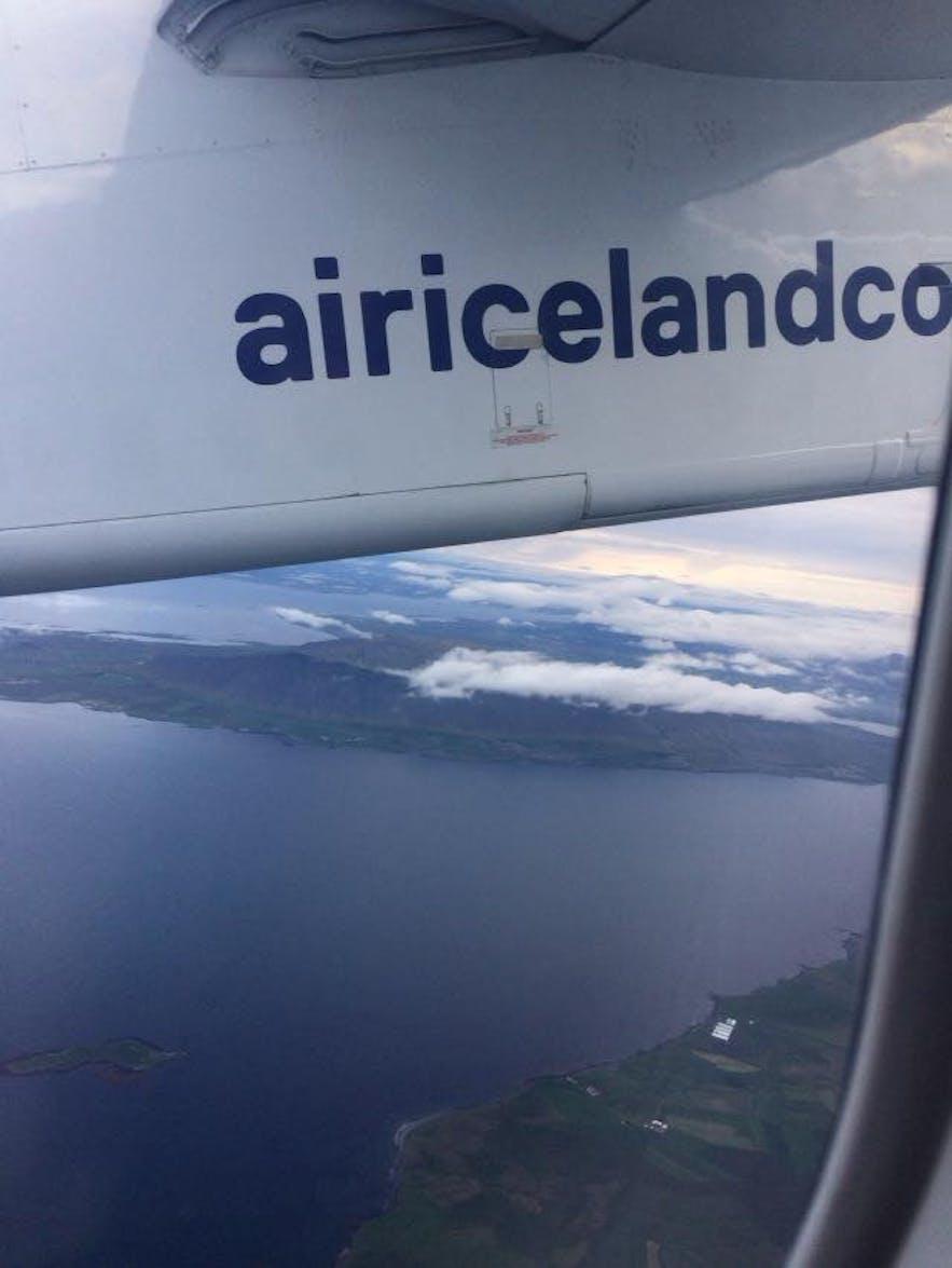 アークレイリ行きの飛行機内で撮った写真