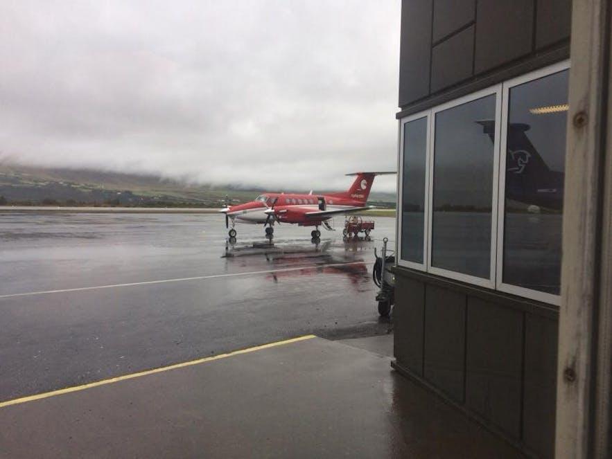 アークレイリ空港で見かけたセスナ機