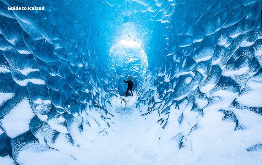 grotte de glace bleue en octobre