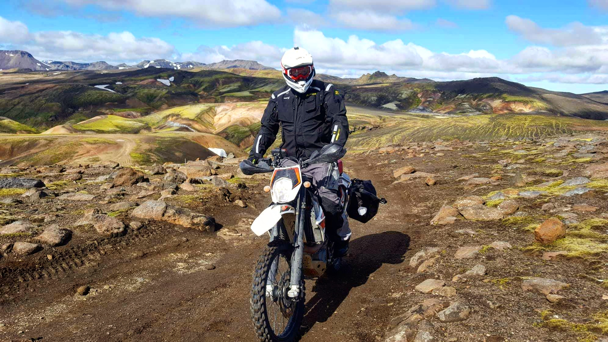 Riding on a sunny day on the dirt roads of the Icelandic highlands.