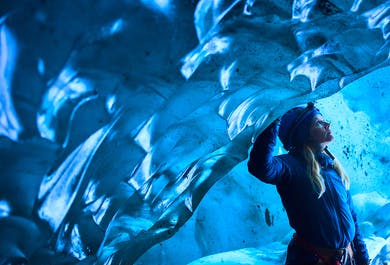 Błękitna jaskinia lodowa w Skaftafell i wędrówka po lodowcu