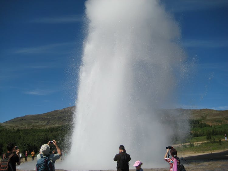 7 Day Tour Around Iceland's Ring Road | Akureyri, Myvatn, Jokulsarlon & the South Coast