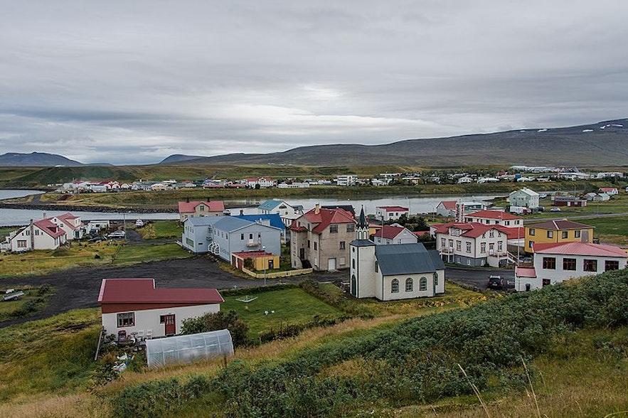 布伦迪欧斯小镇是冰岛北部的经济与文化中心之一