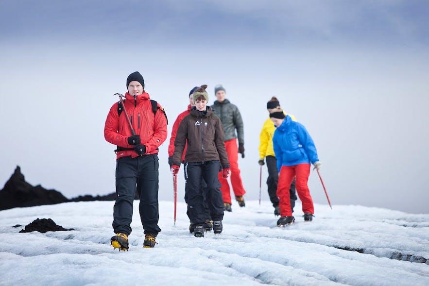 Wędrówka po lodowcu na Islandii.