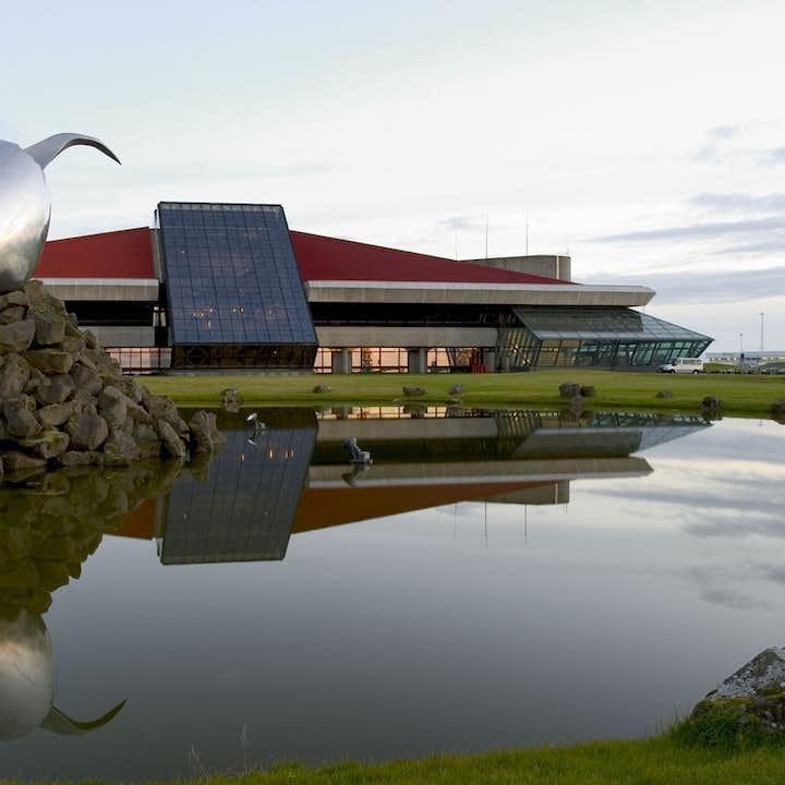 私人包车接机|凯夫拉维克国际机场至雷克雅未克,豪华冰岛交通