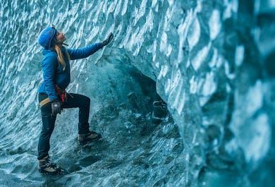 แพ็คเกจ 2 วัน ทัวร์ถ้ำน้ำแข็ง & ชายฝั่งทางใต้   ปีนกลาเซียร์ เที่ยวโจกุลซาลอน & ดูแสงเหนือ