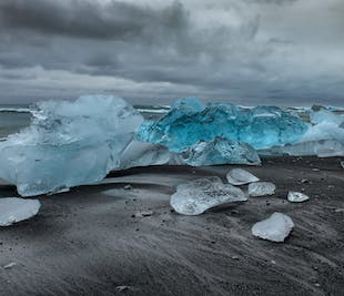 Private Luxury Diamond Beach and Glacier Lagoon Day Tour