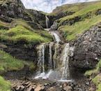 Un petit ruisseau dans les collines au-dessus d'Egilsstaðir.