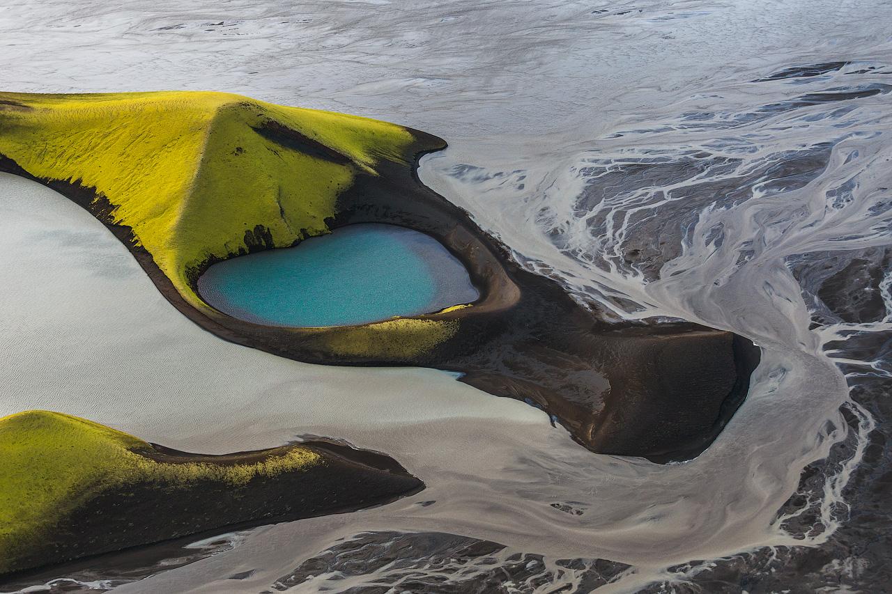 이 놀라운 분화구의 모습은 아이슬란드 하이랜드에서 찾을 수 있으며 특별한 사진을 찍기 안성맞춤인 소재입니다.