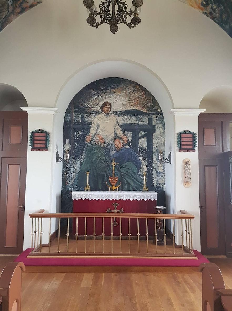冰岛西部弗拉泰岛教堂中的壁画