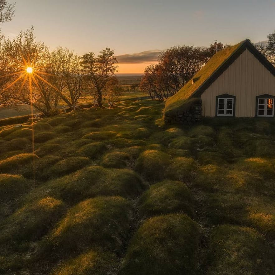 Hofskirkja位于冰岛南岸的斯卡夫塔山自然保护区