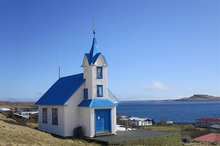 Kirkjubær教堂位于冰岛东部峡湾地区