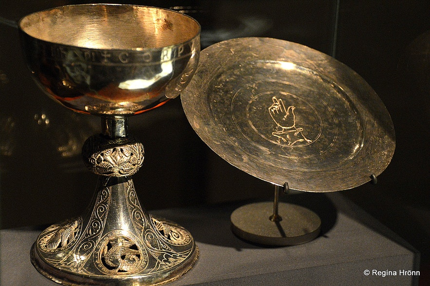 Artefacts from Fitjakirkja church in the National Museum