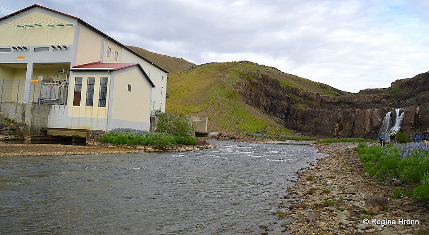 Hiking on Mt. Hestfjall in West-Iceland - a Visit to Andakílsá River and a dip in a Hot pool