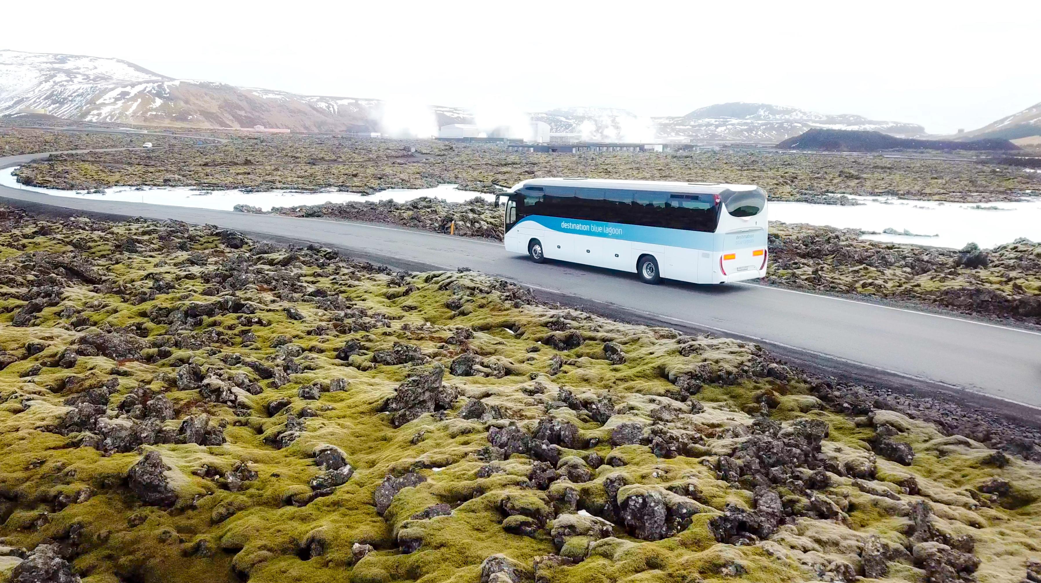 订购这个便宜的单程大巴票从冰岛国际机场前往蓝湖温泉