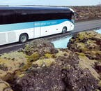 Commencez votre aventure islandaise avec un transfert depuis l'aéroport international de Keflavík jusqu'au spa Blue Lagoon.