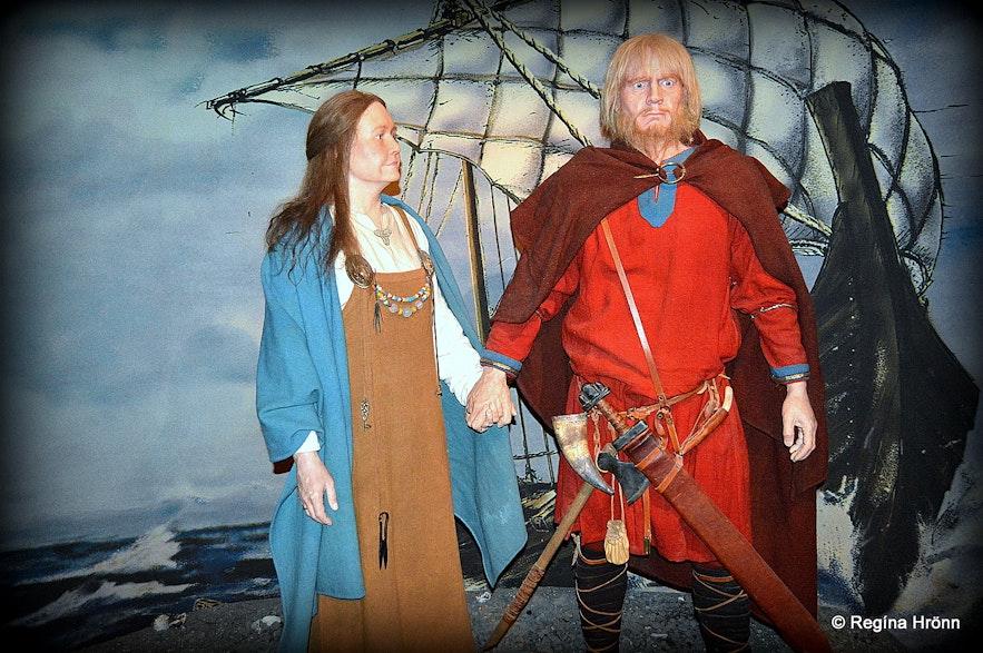 Ingólfur and his wife Hallveig - as depicted at the Saga Museum in Reykjavík