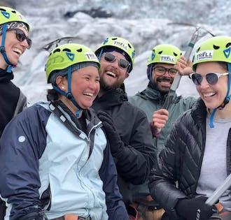 Costa Sur y caminata glaciar en Solheimajokull desde Reikiavik