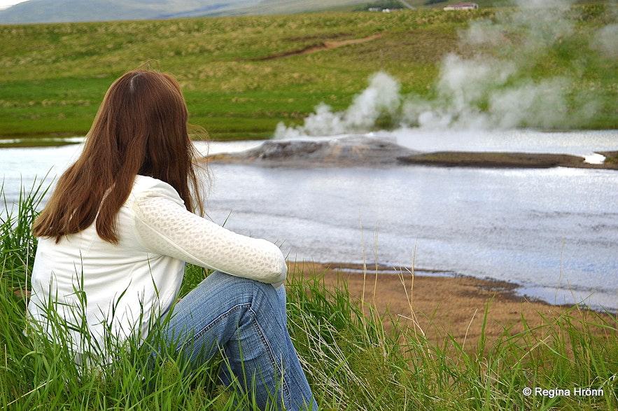 Regína by Árhver/Vellir - a hot spring in the middle of a river