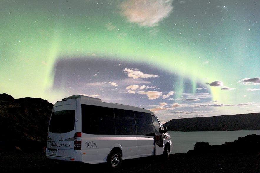 在冰岛跟旅行团看极光