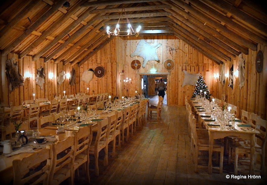 The restaurant at Ingólfsskáli turf longhouse replica