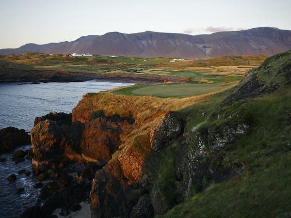 Golf in Iceland - Midnight Golf