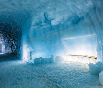 Silver Circle & Ice Cave Daytour