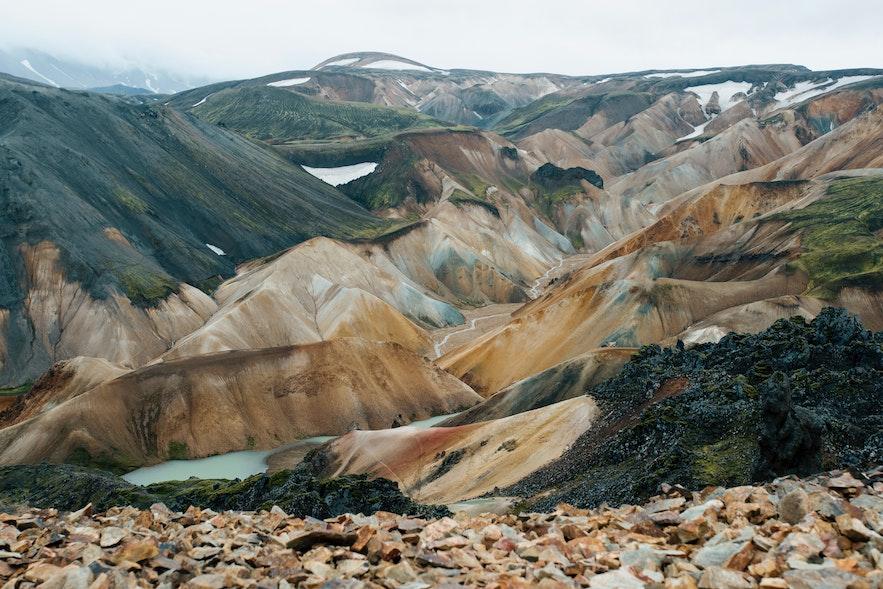 冰島中央內陸高地彩色火山實景