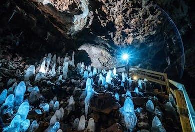 2-tägige Snaefellsnes-Tour   Höhlen-Tour, Kirkjufell & Krauma-Geothermalbad