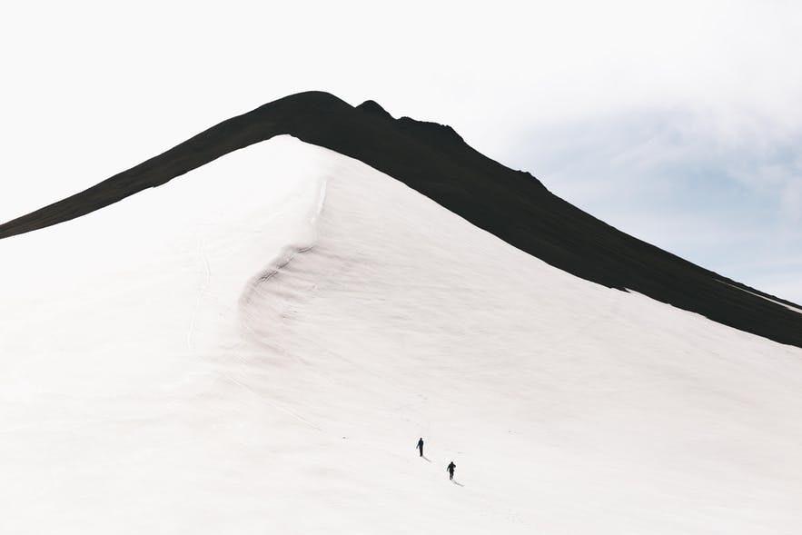 夏季在冰島內陸高地多日遠足徒步可以看到的景色