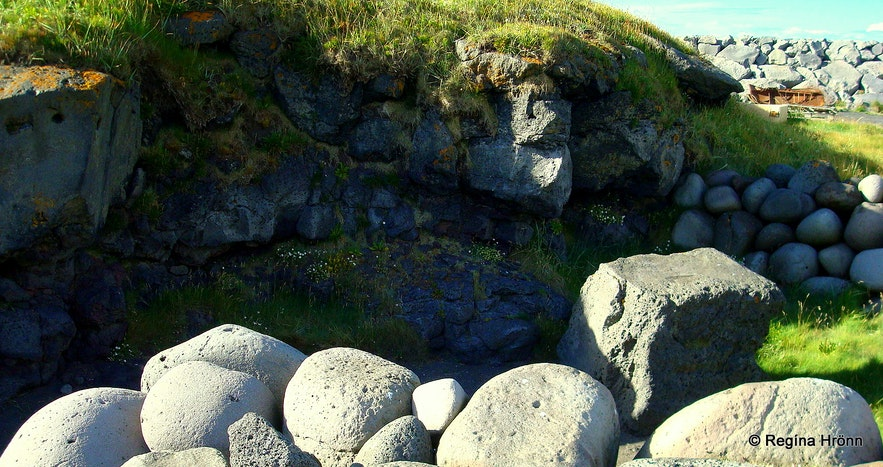 The Village Rif and Björnssteinn Stone