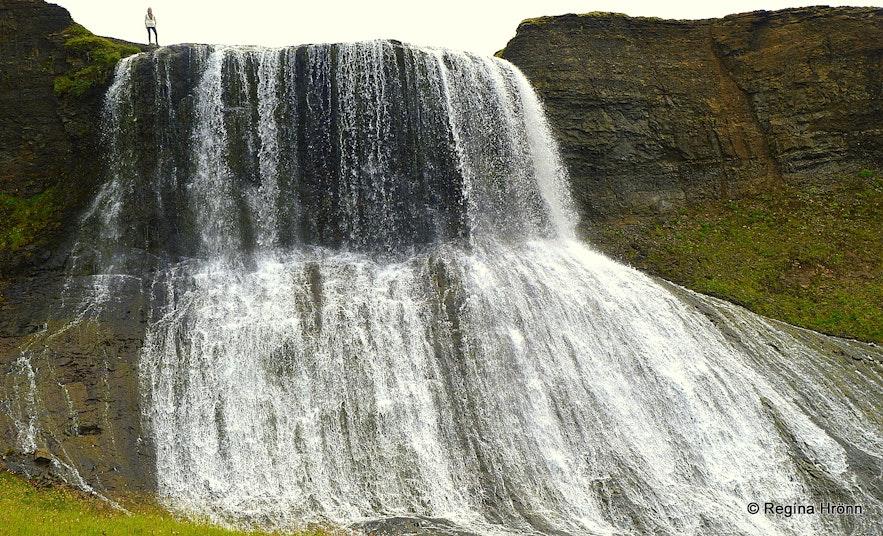 Hvítserkur waterfall