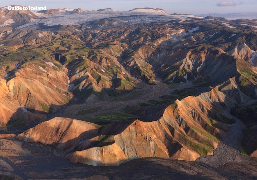 冰島中央高地彩色火山