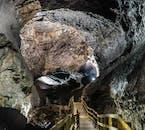 Exploration de la grotte de Vidgelmir