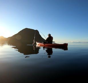 Kajak- und Angeltour beim Berg Kirkjufell