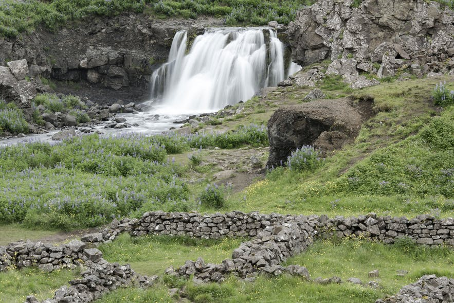 Eine Runde um den Hvalfjörður in Island