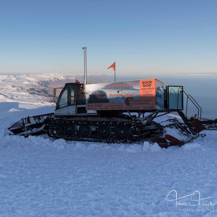 Tour en autobús súper jeep y Snowcat en el glaciar Snaefellsjokull