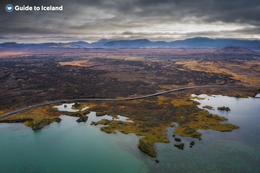 Een luchtopname van het Mývatn-meer.
