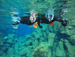 Snorkel between Continents in Silfra | Free Underwater Photos