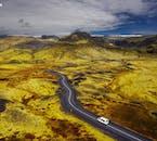 Jadąc w pobliżu lodowca Sólheimajokull na południowym wybrzeżu,