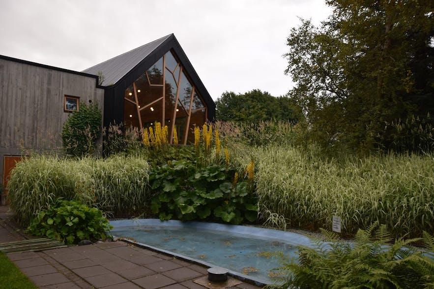 アークレイリの植物園内にあるカフェ