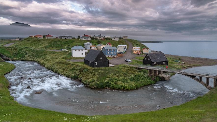 霍夫索斯小镇是冰岛最古老的商业重心之一