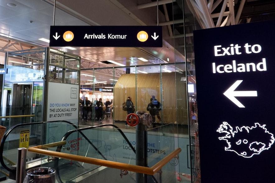 케플라비크 공항 입국